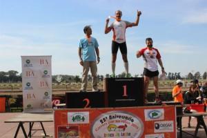 Adrián Landgrebe 1° puesto en su categoría, 10k  Carrera x los Niños 2013 Hipódromo de la Plata