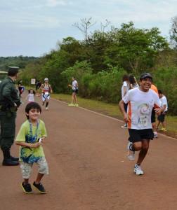 Presentes en la Media Maratón de Iguazú. Marcelo Romero 1° puesto en su categoría 10k